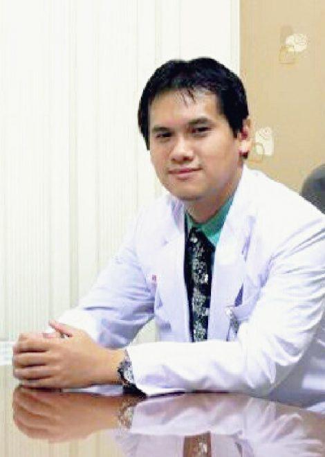 Dr. Yulius Mulyamusada, M.Kes, SpOT
